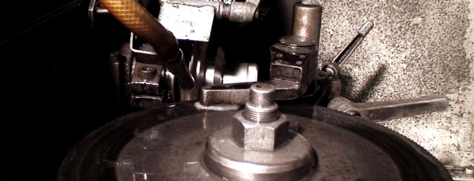 Macchina a controllo per affilatura dischi HSS